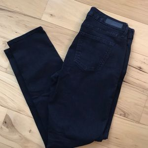 Calvin Klein dark wash ultimate skiing jegging.
